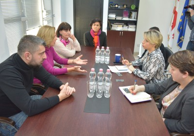 Meeting with Members of Anti-Gambling Campaign
