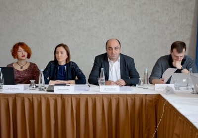 Public Defender Discusses Creation of Independent Investigative Mechanism with Journalists